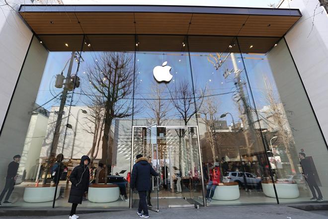 Η Apple επιστρέφει… στα θρανία