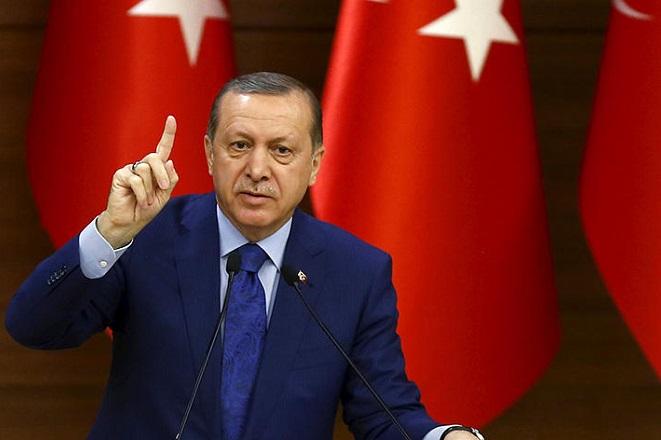Nέο παραλήρημα Eρντογάν: «Στο πλευρό των τρομοκρατών όλη η Δύση»