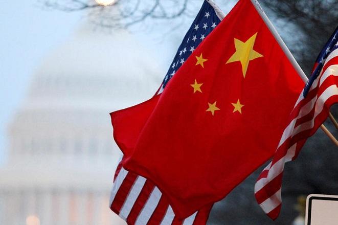 Μετά από μήνες «πολέμου», μπαίνει στην τελική ευθεία η νέα εμπορική συμφωνία ΗΠΑ – Κίνας