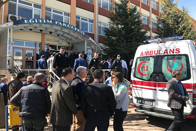 Τέσσερις νεκροί από πυρά σε πανεπιστήμιο στην Τουρκία