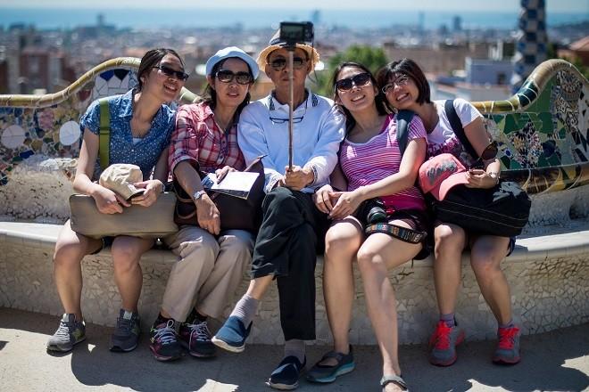 barcelona-tourists3