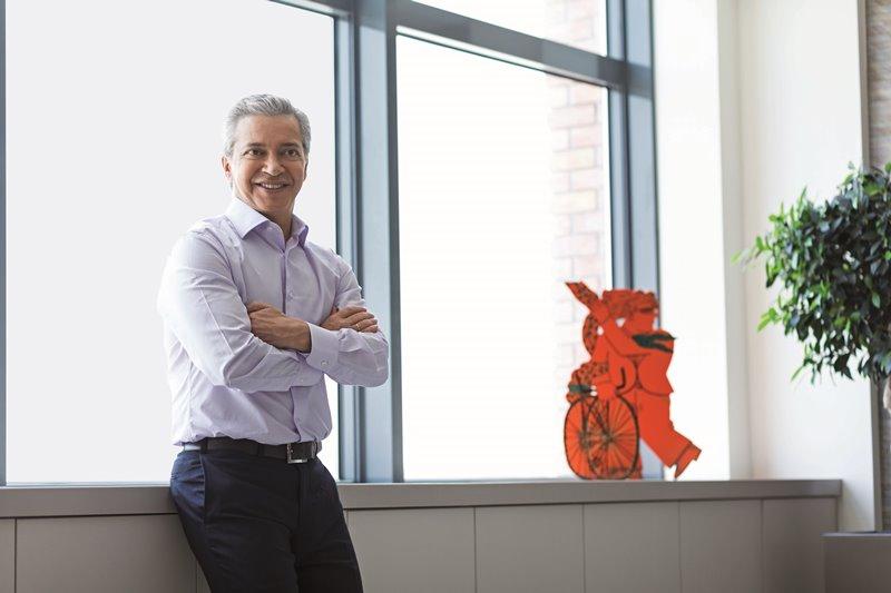 Στέλιος Σκλαβενίτης: O επιχειρηματίας που λάτρευαν οι 23.000 υπάλληλοί του