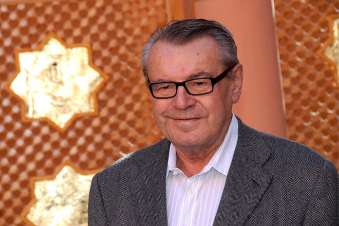 epa01194790 Czech-born filmmaker Milos Forman, Jury president of the seventh Marrakesh Film Festival, poses during a photo call on the second day of the Marrakesh 7th International Film Festival in Marrakesh, Morocco, 08 December 2007. The festival runs through December 07-15, focusing this year on new films from eastern Europe and Asia.  EPA/STR