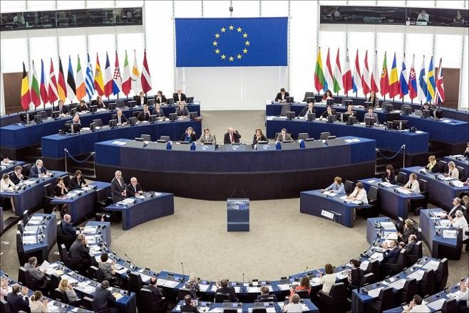Ο εγγονός του δικτάτορα, η πρώην ηθοποιός, ο υπέρμαχος του Brexit και ένας… πειρατής: Τα νέα πρόσωπα του ευρωκοινοβουλίου