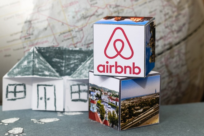Ξενοδόχοι: Ιδιους όρους επαγγελματικής δραστηριότητας ξενοδοχείων και ιδιοκτητών Airbnb