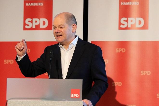 Θα παραμείνει υπουργός Οικονομικών της Γερμανίας ο Όλαφ Σολτς εάν διεκδικήσει την ηγεσία του SPD