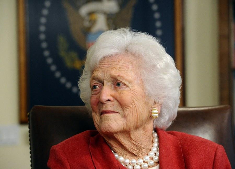 Μπάρμπαρα Μπους: Η μητρική φιγούρα της αμερικανικής πολιτικής σκηνής