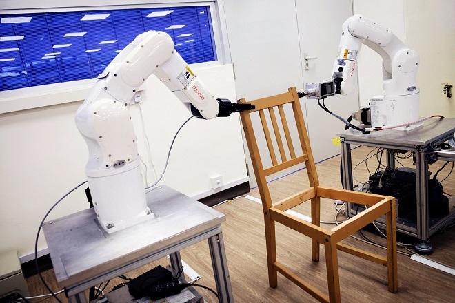 Τα πρώτα ρομπότ που συναρμολογούν έπιπλα της ΙΚΕΑ (Βίντεο)