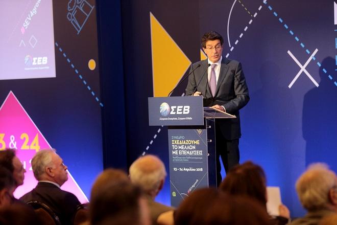 Ο  πρόεδρος του ΣΕΒ Θεόδωρος Φέσσας  μιλά σε συνέδριο του ΣΕΒ, Δευτέρα 23 Απριλίου 2018.  Διήμερο συνέδριο διοργάνωσε ο ΣΕΒ, με θέμα «Σχεδιάζουμε το μέλλον με επενδύσεις» με αντικείμενο την παρουσίαση της εργαλειοθήκης του για την επιτάχυνση των επενδύσεων. ΑΠΕ-ΜΠΕ/ΑΠΕ-ΜΠΕ/Παντελής Σαίτας