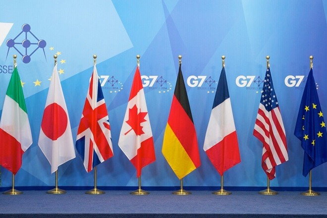 G7-flags