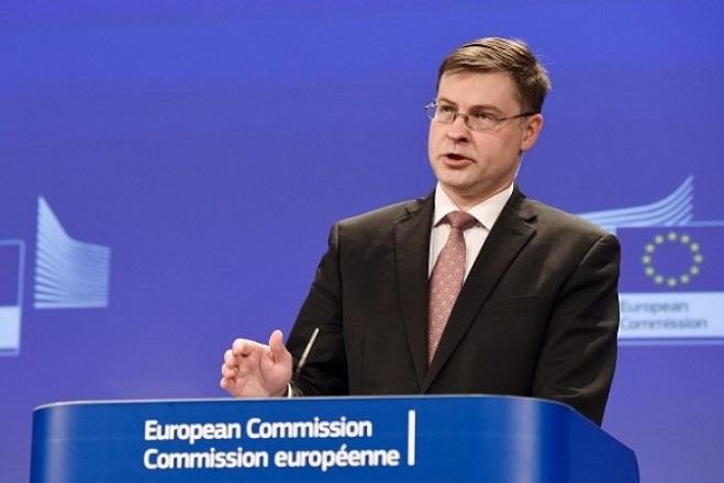 Ντομπρόβσκις: Αυξάνονται οι κίνδυνοι για τις οικονομίες της Ευρώπης