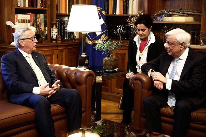 Γιούνκερ: Δεν διανοήθηκα ποτέ ότι η Ελλάδα θα έφευγε από την Ευρωζώνη
