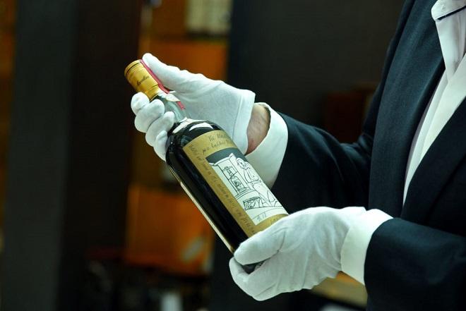 Πόσα εκατομμύρια πωλήθηκαν δύο σπάνια μπουκάλια ουίσκι Macallan