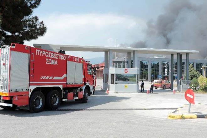 Υπό έλεγχο τέθηκε η πυρκαγιά στο εργοστάσιο μπαταριών της Συστήματα Sunlight (Βίντεο)