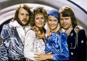 epa06696737 (FILE) (L-R) Swedish pop group ABBA members: Benny Andersson, Anni-Frid Lyngstad, Agnetha Faltskog and Bjorn Ulvaeus posing after winning the Swedish branch of the  Eurovision Song Contest with their song 'Waterloo' in Stockholm, Sweden, 09 February 1974 (reissued 27 April 2018). According to reports, ABBA members on 27 April 2018 announced they will release two new songs in their original lineup, 35 years after the band split.  EPA/OLLE LINDEBORG  SWEDEN OUT