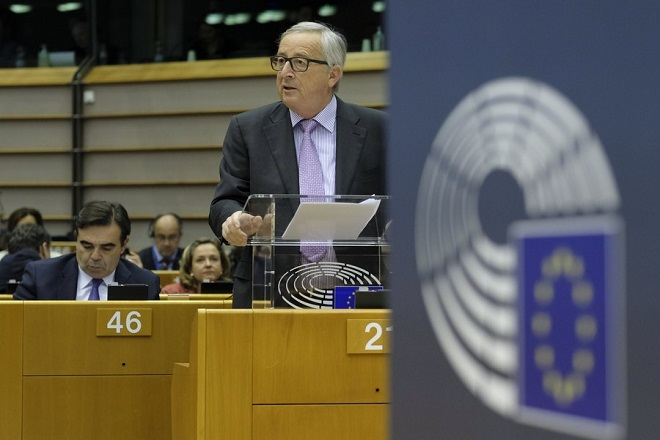 epa06706468 EU commission President Jean-Claude Juncker speaks during a mini plenary session at European Parliament, in Brussels, Belgium, 02 May 2018. Budget Commissioner Gunther Oettingerwill unveil his proposal for the EU's long-term budget — the Multiannual Financial Framework, post Brexit , which will run from 2021 to 2027.  EPA/OLIVIER HOSLET