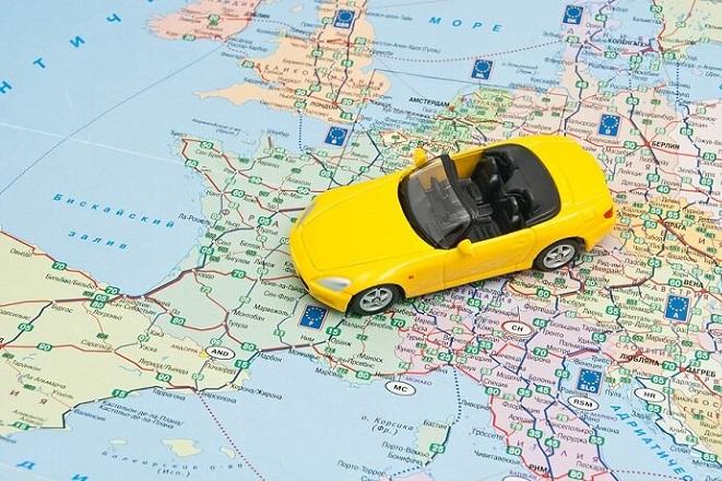 Μόνο έτσι μπορούν οι ξένοι επισκέπτες να οδηγήσουν στους ελληνικούς δρόμους
