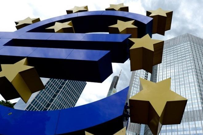 Θα κάνει η ΕΚΤ το μεγάλο βήμα για να σταματήσει την ελεύθερη πτώση της ανάπτυξης;