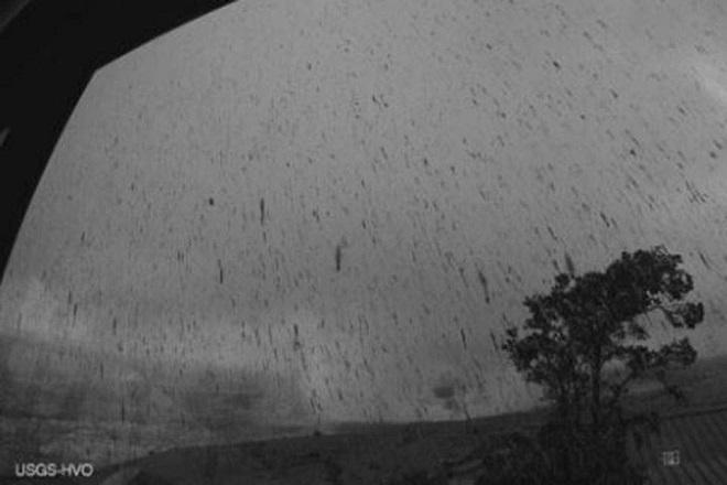 Σε κατάσταση συναγερμού η Χαβάη μετά την ισχυρή έκρηξη του ηφαιστείου Κιλαουέα (Bίντεο)