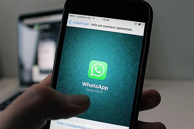 Μέτρα κατά των fake news λαμβάνει η WhatsApp