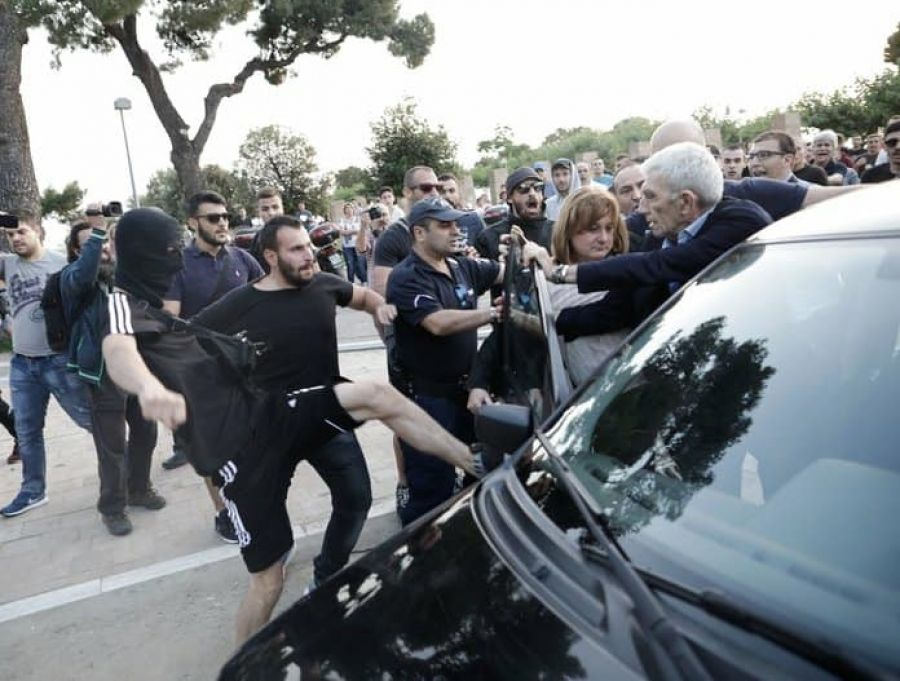 Πόλεμος «ευθυνών» ΝΔ-ΣΥΡΙΖΑ στον απόηχο της επίθεσης σε βάρος του Γιάννη Μπουτάρη