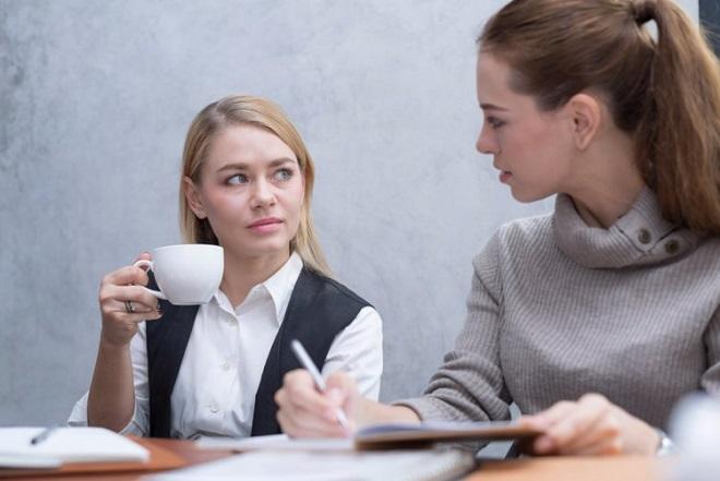 Πώς να επιβιώσεις από τους «κακούς» συναδέλφους σου