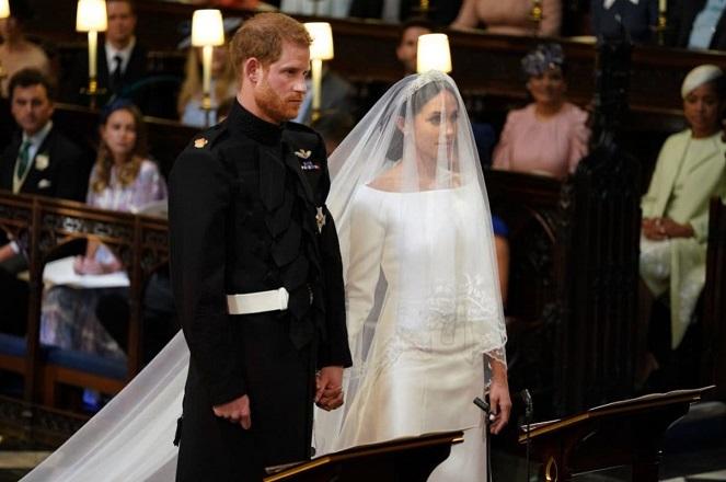Βασιλικός γάμος: Παντρεύτηκαν ο πρίγκιπας Χάρι και η Μέγκαν Μαρκλ (Φωτογραφίες)