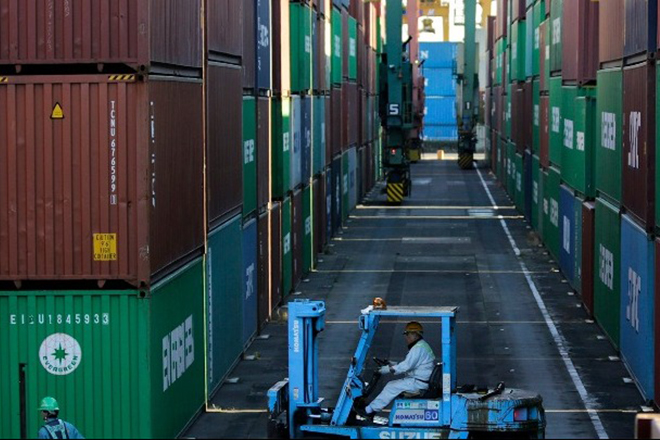 Οι ΗΠΑ θα καθυστερήσουν την επιβολή δασμών σε ορισμένα κινεζικά προϊόντα
