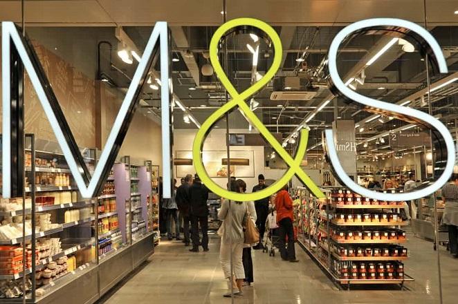 «Λουκέτο» σε άλλα 100 καταστήματα βάζει η Marks & Spencer