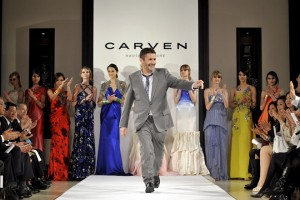 epa01308032 French designer Pascal Millet waves on the catwalk after presenting his Carven 2008 Spring/Summer Haute Couture collection in Tokyo, Japan, 8 April 2008.  EPA/FRANCK ROBICHON