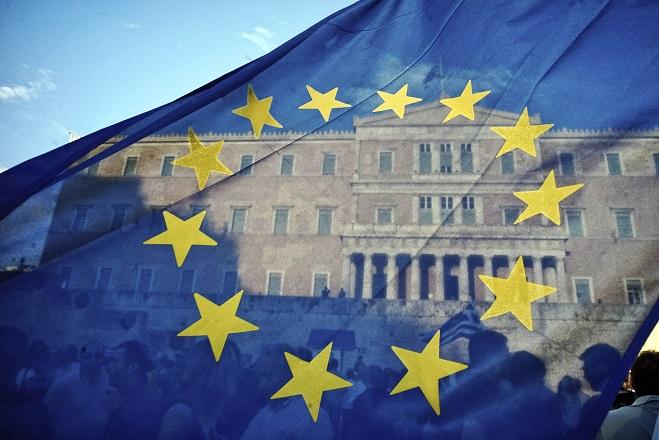 Ευρωβαρόμετρο: Οι Έλληνες παραμένουν οι πιο δυσαρεστημένοι στην Ευρώπη