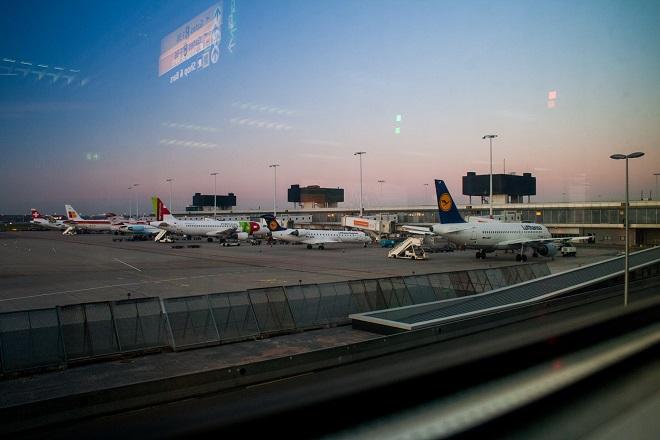 airport plane αεροδρομιο αεροπλανο