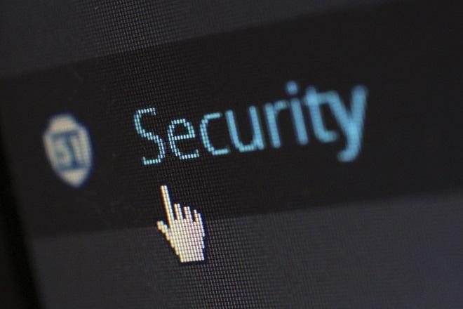 Μπορεί ένα κοινωνικό συμβόλαιο να εξασφαλίσει την ασφάλεια στο Διαδίκτυο;