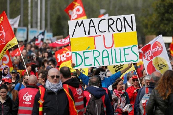macron france μακρον γαλλια διαδηλωση λαοθαλασσα