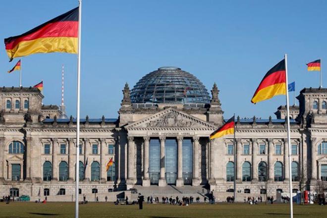 Πεποισμένος για την επανεκλογή της Α.Μέρκελ στην ηγεσία του CDU δηλώνει ο Β. Σόιμπλε