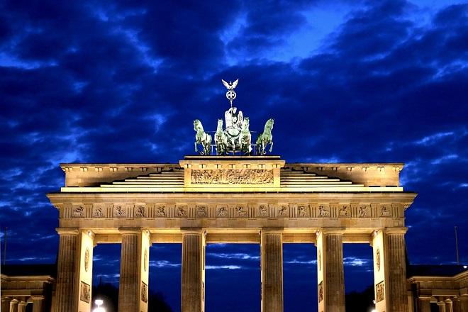 Αναθεωρείται η πρόβλεψη για ανάπτυξη της γερμανικής οικονομίας- «Κακή ιδέα» η συγχώνευση Deutsche Bank-Commerzbank