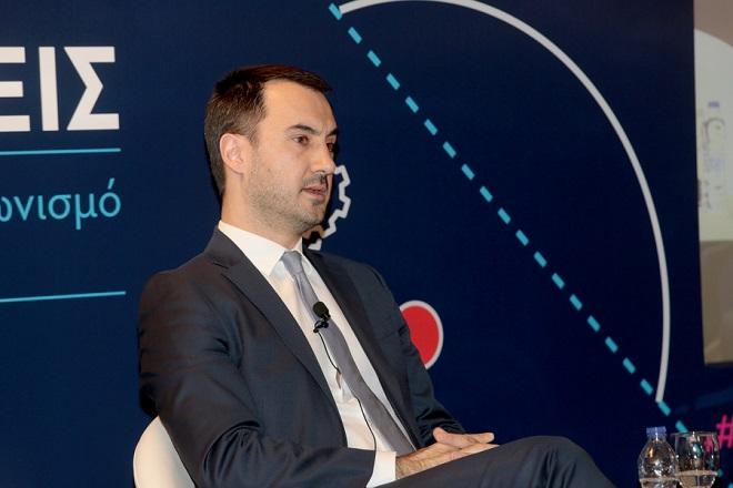 O αναπληρωτής υπουργός Οικονομίας και Ανάπτυξης Αλέξανδρος Χαρίτσης μιλά σε συνέδριο του ΣΕΒ, Τρίτη 24 Απριλίου 2018. Διήμερο συνέδριο διοργάνωσε ο ΣΕΒ, με θέμα «Σχεδιάζουμε το μέλλον με επενδύσεις» με αντικείμενο την παρουσίαση της εργαλειοθήκης του για την επιτάχυνση των επενδύσεων. ΑΠΕ-ΜΠΕ/ΑΠΕ-ΜΠΕ/Παντελής Σαίτας