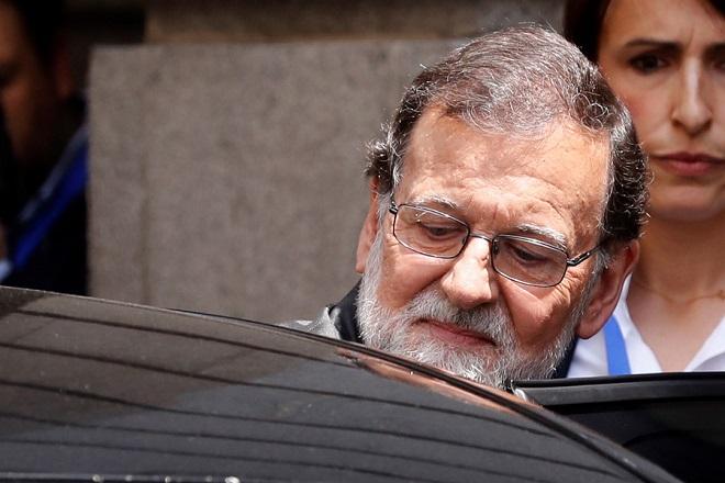 Ισπανία: «Τίτλοι τέλους» για τον Ραχόι – Θα περάσει η πρόταση μομφής εναντίον του