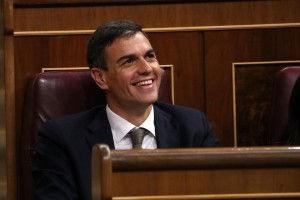 Spain's Socialist Party (PSOE) leader Pedro Sanchez smiles during a motion of no confidence debate at Parliament in Madrid, Spain, May 31, 2018. REUTERS/Susana Vera