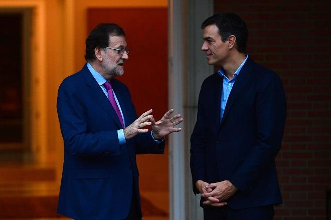 Ραγδαίες εξελίξεις στην Ισπανία: O Ραχόι φεύγει, ο Σάντσεθ έρχεται