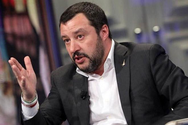 Σαλβίνι: «Η κυβέρνηση δεν διατρέχει κανέναν απολύτως κίνδυνο»