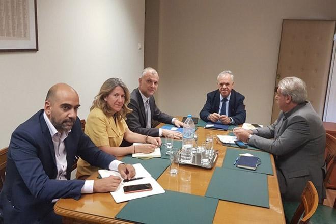 Οι επενδύσεις στο επίκεντρο της συνάντησης Γ. Δραγασάκη με τον Διευθ. Σύμβουλο της Αθηναϊκής Ζυθοποιίας
