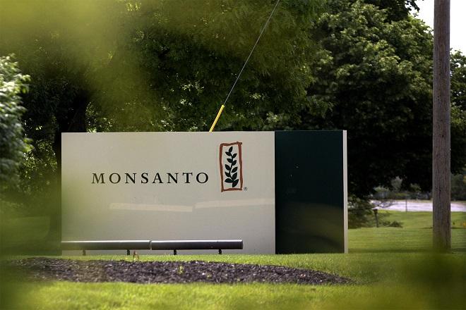 Νέες αποκαλύψεις σε βάρος της Monsanto: Φακέλωνε δημοσιογράφους, πολιτικούς και επιστήμονες στη Γαλλία