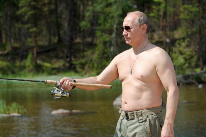 Η δύσκολη συνέντευξη του Πούτιν και η απάντησή του για τις «ημίγυμνες» φωτογραφίες του