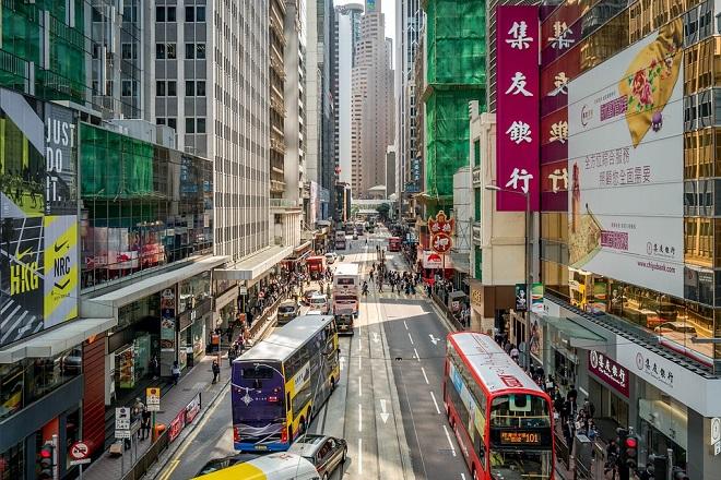 Σχεδόν ένα εκατομμύριο δολάρια πληρώνει μεγιστάνας στο Χονγκ Κονγκ για… μια θέση πάρκινγκ