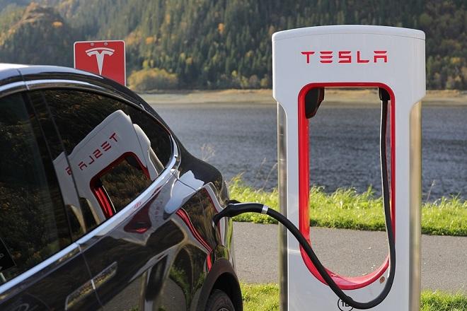 tesla electric car ηλεκτρικο αυτοκινητο τεσλα