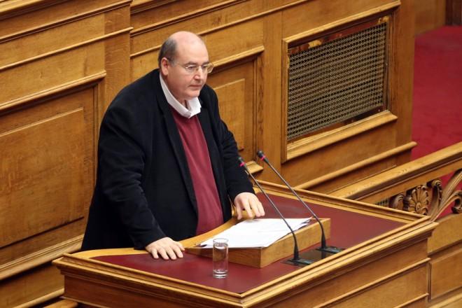 Ο βουλευτής του ΣΥΡΙΖΑ Νίκος Φίλης μιλά στην Ολομέλεια της Βουλής στη  συνέχεια της συζήτησης για τον Προϋπολογισμό του Κράτους για το 2018, Δευτέρα 18 Δεκεμβρίου 2017. ΑΠΕ-ΜΠΕ/ΑΠΕ-ΜΠΕ/Αλέξανδρος Μπελτές