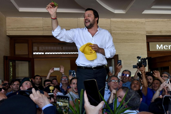 Ιταλία: Επιτυχία η μεταφορά του Aquarius και των μεταναστών στην Ισπανία