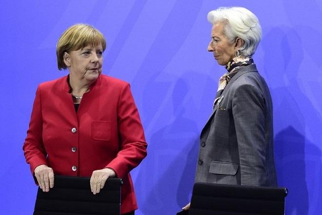 Μένει ή φεύγει το ΔΝΤ; Κρίσιμη συνάντηση Μέρκελ-Λαγκάρντ στο Βερολίνο