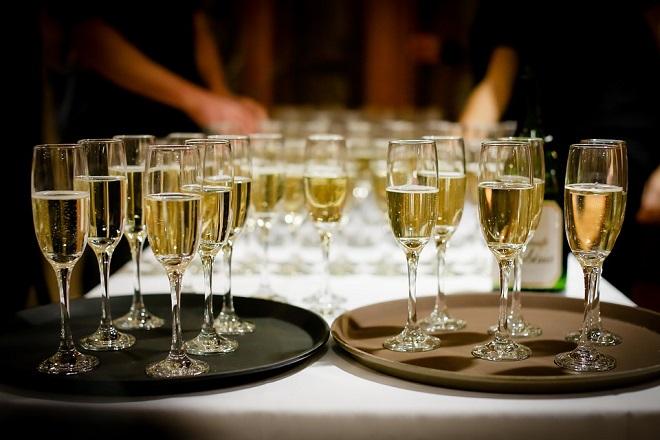 Ποιά η συμβολή του κλάδου αλκοολούχων ποτών στην ανάπτυξη της ελληνικής οικονομίας